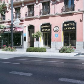 Granada Hotel with Parking for 3 euro